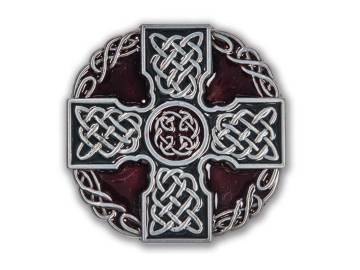 Boucle ronde émaillée bordeaux ornée d'une croix Celte