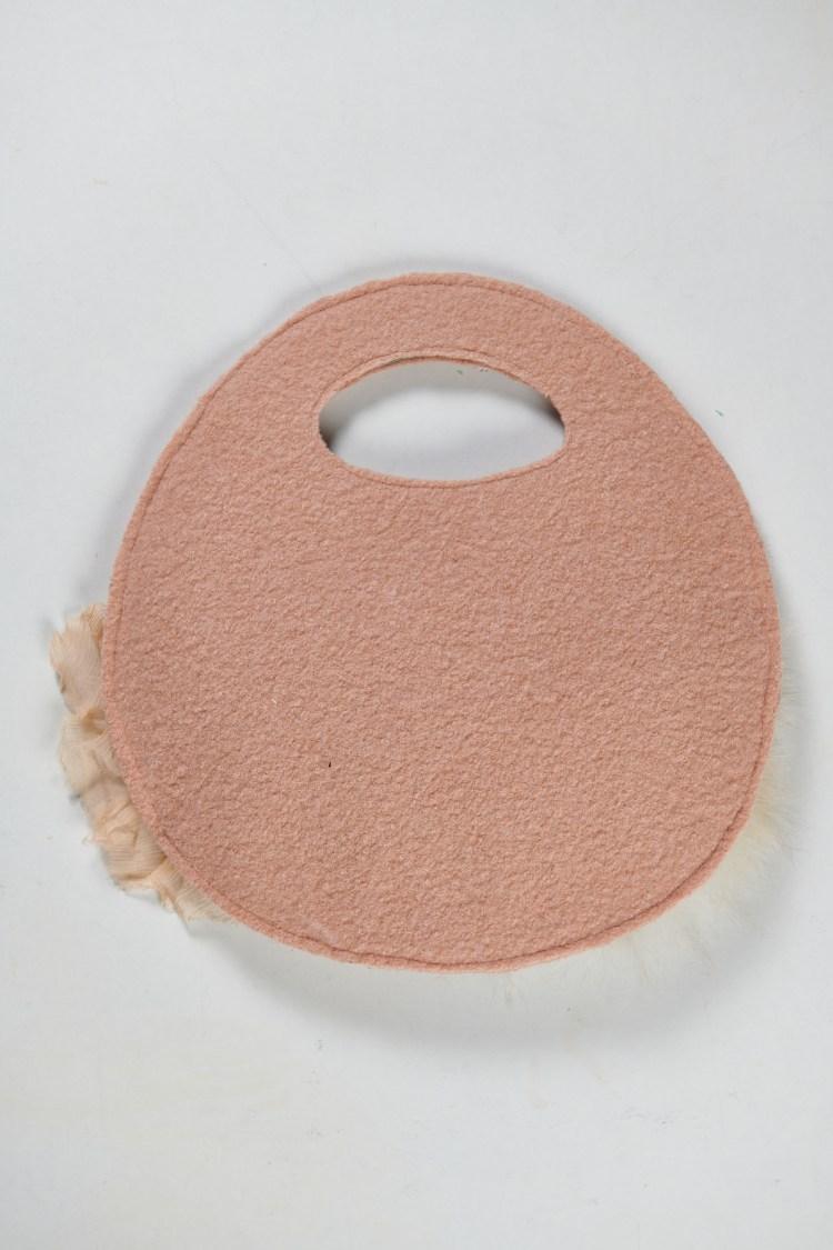 Charmant petit sac pillow en feutrine décorée(face unie)