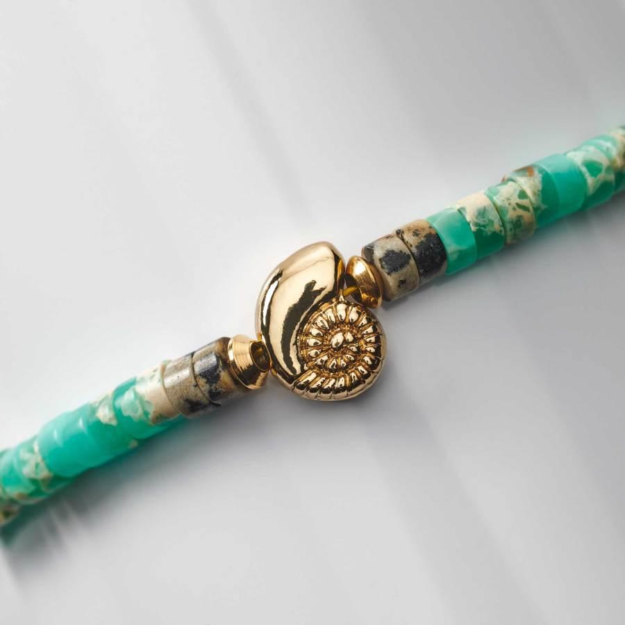 Bracelet enfant rondelles de jaspe dalmatien et agate avec coquillage plaqué Or