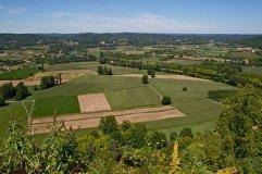 Un vue de la plaine et de la rivière Dordogne prise à partir du Belvédère de Domme