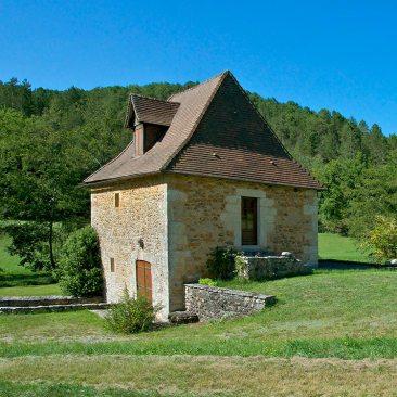 Un vieux moulin près de Rouffignac-Saint-Cernin-de-Reilhac, Dordogne