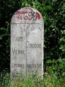 450px-Borne_N699_Maisonnais-Busserolles