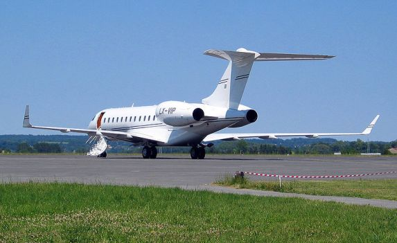 800px-Bombardier_global_express