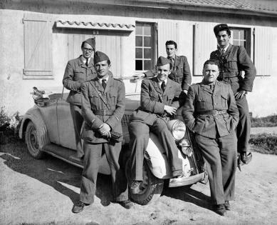 Mission militaire française en avril 1945