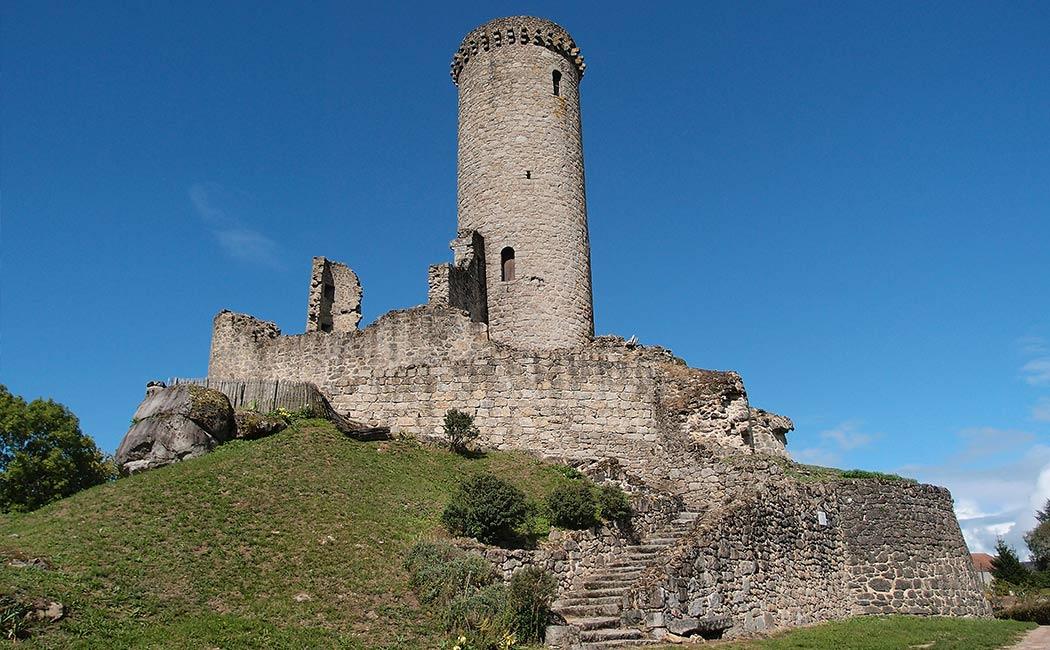 Les mottes castrales en Périgord