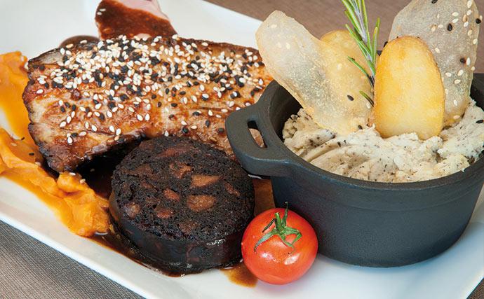 Filet de bœuf Angus sauce béarnaise maison, pomme grenaille confites