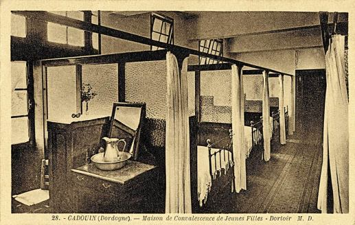 Cadouin-Maison-de-Convalescence-Dortoir-Jeunes-Filles
