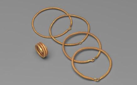 Bracelet et Bague. Thaïlande. Or. 1238-1438. © Mauro Magliani / Collections Privées