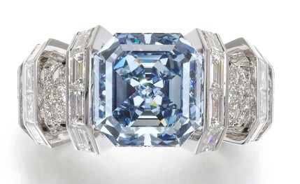 "Cartier Bague ""The Sky Blue Diamond"" Diamant Square-cut fancy vivid blue de 8,01 carats."