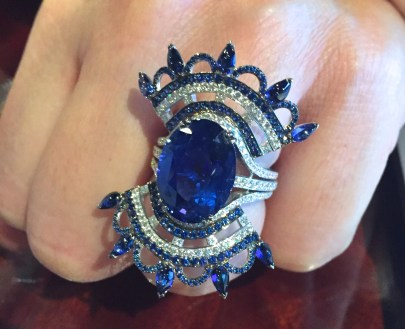 "Bague John Rubel ""Bleu Carmen"" Saphirs, Diamants, Or Blanc."