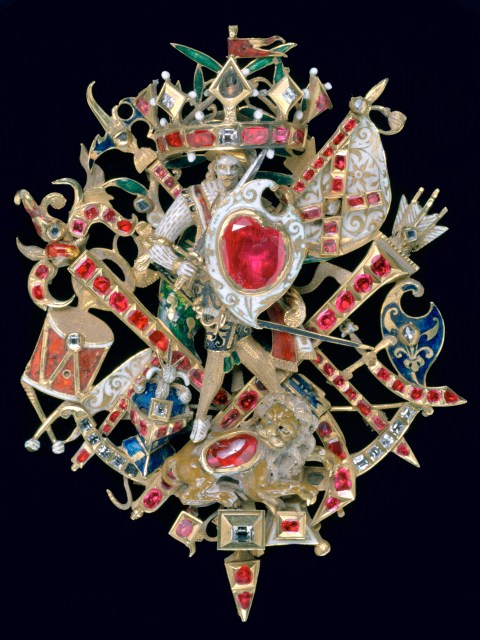 Bijou de Chapeau, Rubis, Diamants, Émail, Or XVII ème siècle © By courtesy of the Trustees of Sir John Soane's Museum/Assouline
