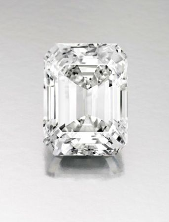 DIAMANT TAILLE EMERAUDE SOTHEB'S