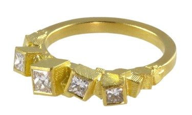 Jo Hayes Ward Bague Diamants, Or Crédit Elsa Vanier