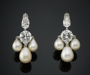 Boucles d'Oreilles Bhagat Diamants, Perles, Platine 2012 The Al Thani Collection © Servette Overseas Limited 2014