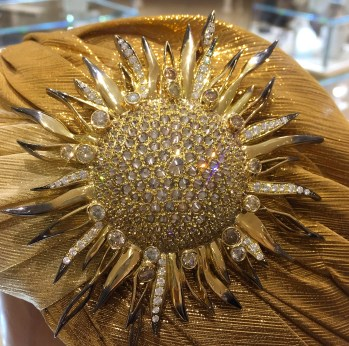 "Broche ""Soleil"" Diamants, Or"