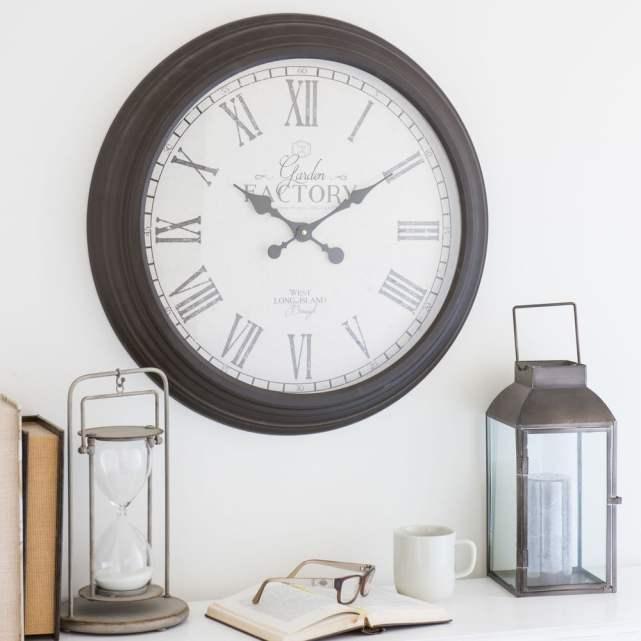 horloge grise ronde