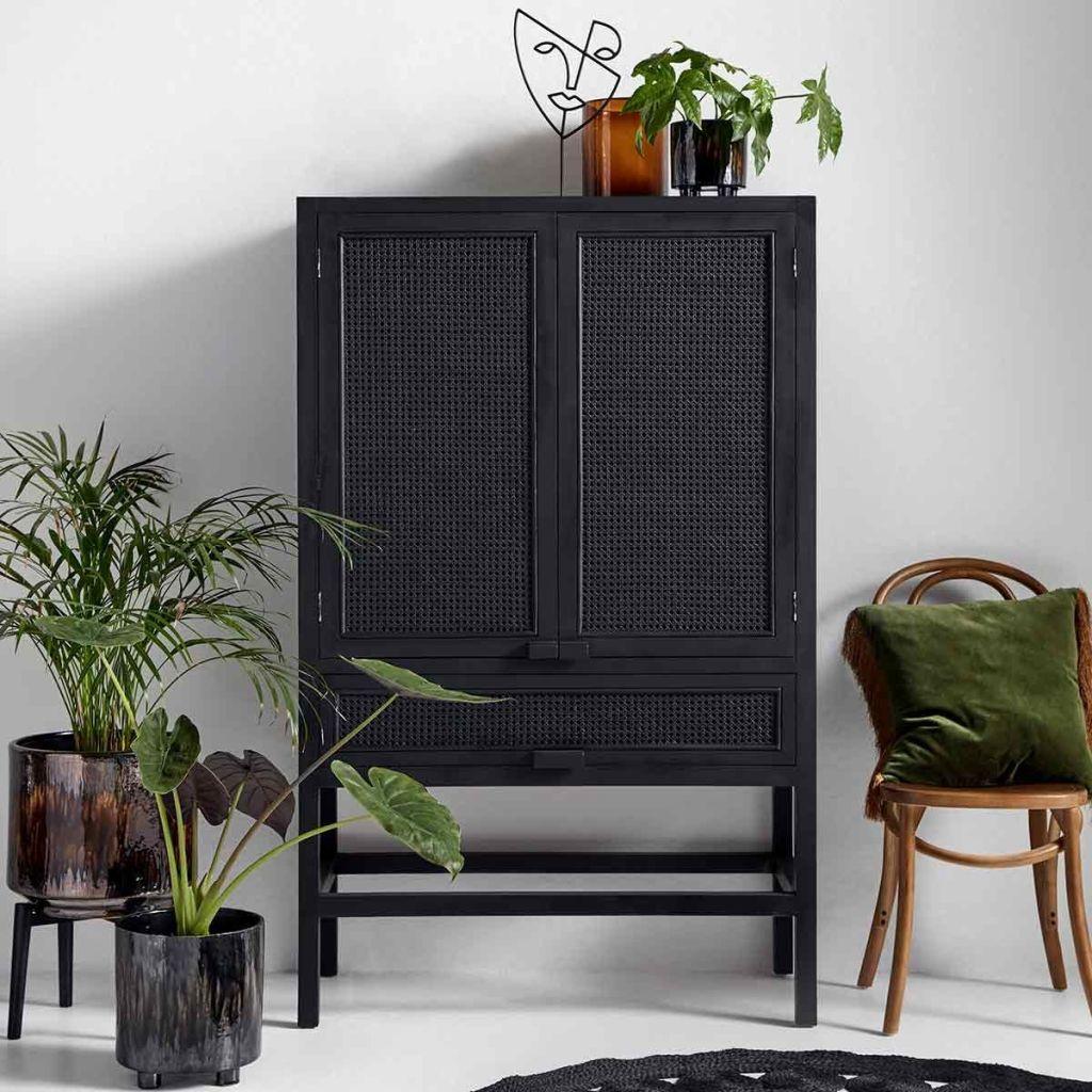 meuble en cannage noir