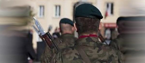 militaire français en rang