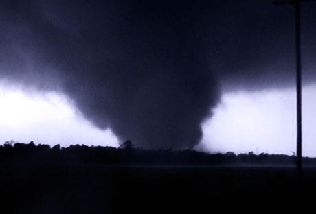 https://i0.wp.com/esq.h-cdn.co/assets/cm/15/07/54daf60d130bc_-_esq-joplin-tornado-1011-lg-19010429.jpg