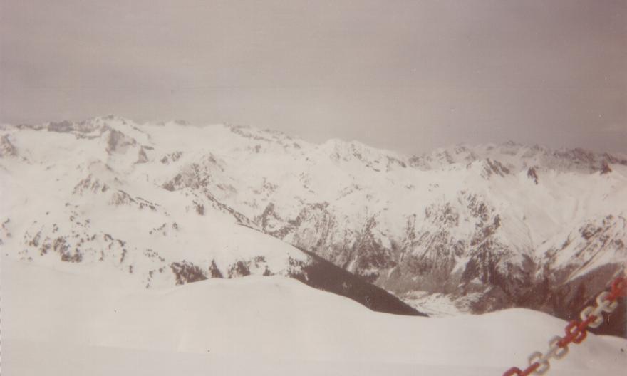 El aneto visto desde lo alto de Baqueira