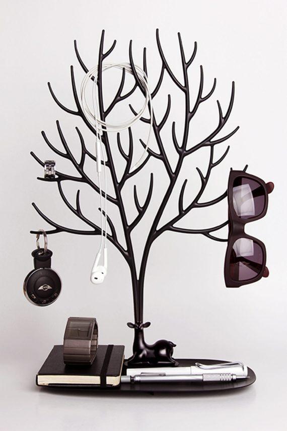 suporte para acessórios em forma de veado preto com óculos e chaves