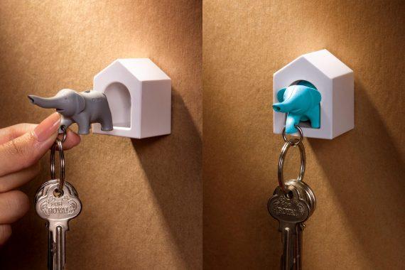 chaveiro em forma de casa com porta chaves elefante azul