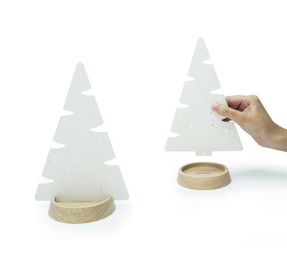 árvore pinheiro branco com base de madeira