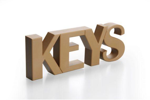 chaveiro magnético de pendurar na parede keys em castanho