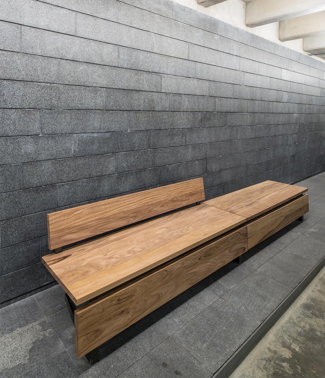 Levo Bench