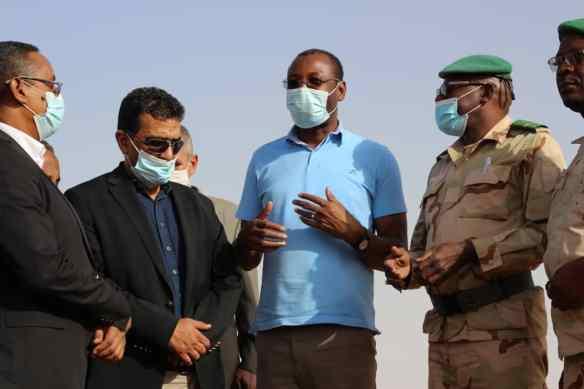 وزير المياه خلال زيارة لولاية لبراكنه - المصدر (وزارة المياه)