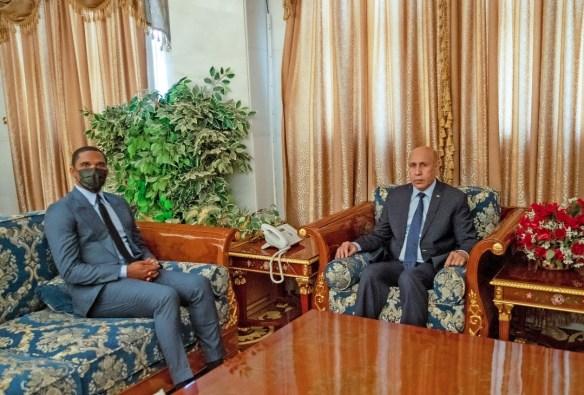 الرئيس غزواني يستقبل اللاعب سمويل إتو ـ (المصدر: الإنترنت)