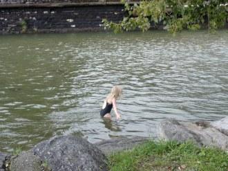 De la baignade en rivière froide