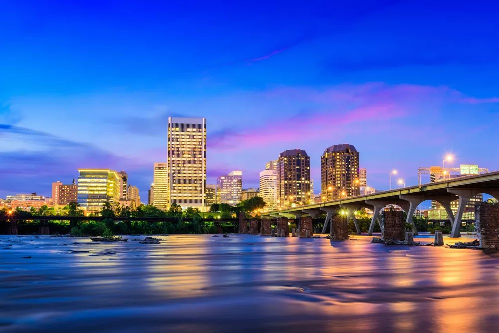 Best Neighborhoods in Richmond, VA for Singles & Young Professionals via @extraspace