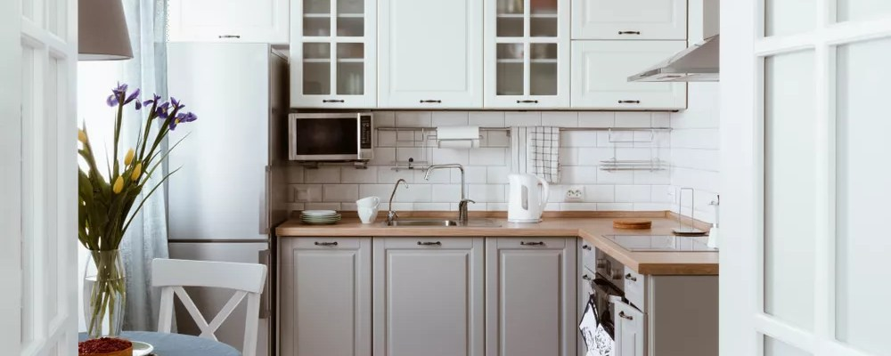 White kitchen with clean counters