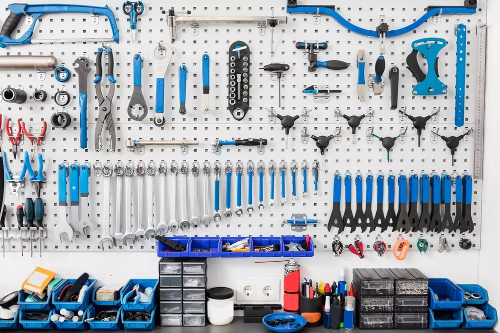 How to Organize Your Garage: Tips for Decluttering & Storage via @extraspace