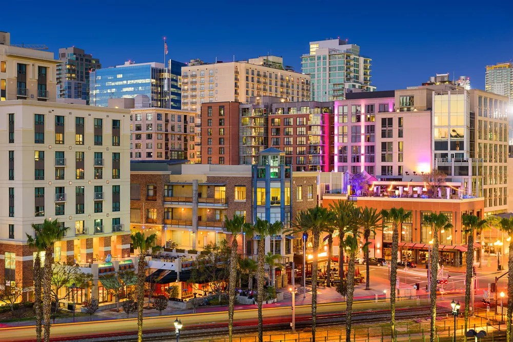 Best Neighborhoods in San Diego for Singles & Young Professionals via @extraspace