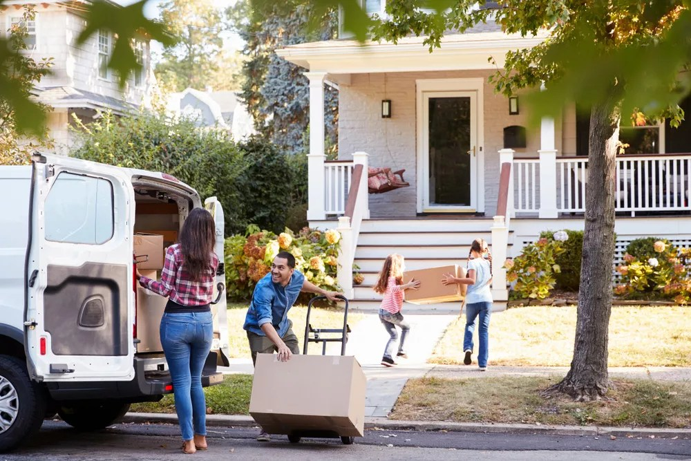 Moving Cross Country: Tips for an Affordable, Hassle-Free Move via @extraspace