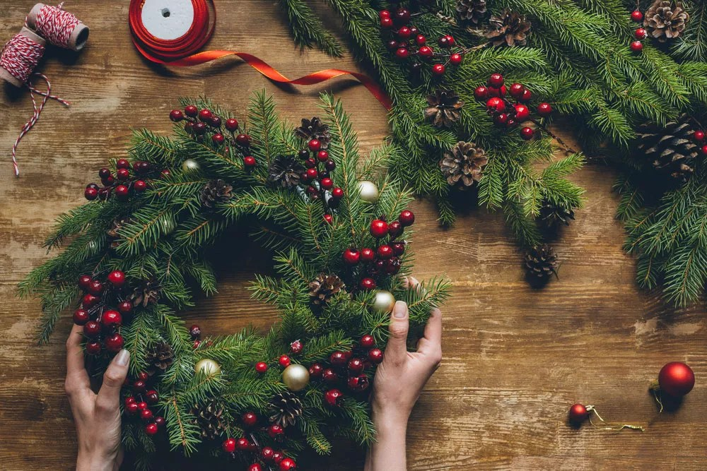 31 DIY Holiday Decorations for Your Home via @extraspace