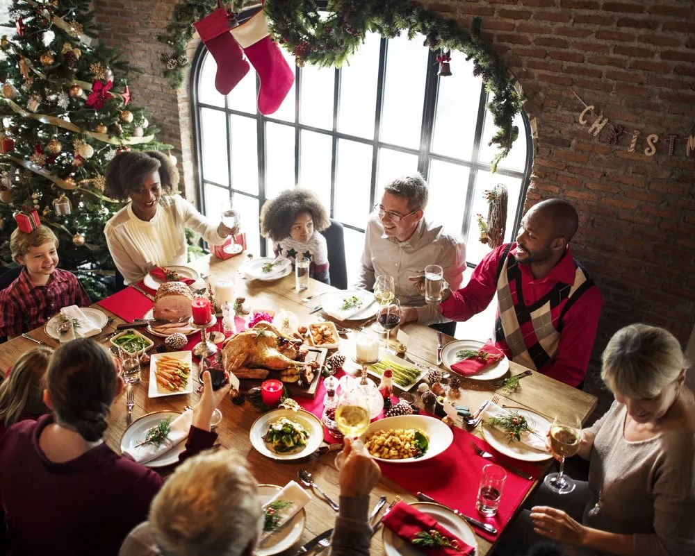 Holiday Party Ideas: 19 Tips for Planning, Decorating, & Hosting via @extraspace