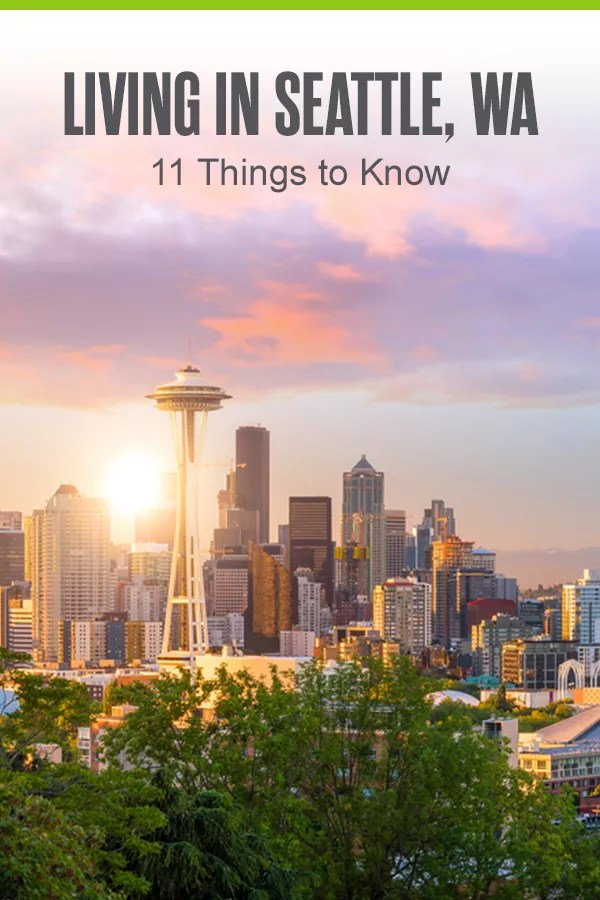 Thinking about living in Seattle? The Emerald City is the place to be for beautiful scenery, jobs in the tech industry, delicious brunch spots, and much more! Discover 11 things to know before moving to Seattle in our guide! via @extraspace