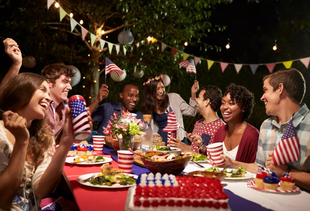 25 Festive Ideas for Hosting a 4th of July Party via @extraspace