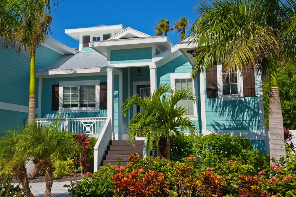 Nice Blue Beach Home Used for Airbnb Rentals
