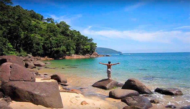 Praias paradisíacas do Sudeste (Foto via YouTube)