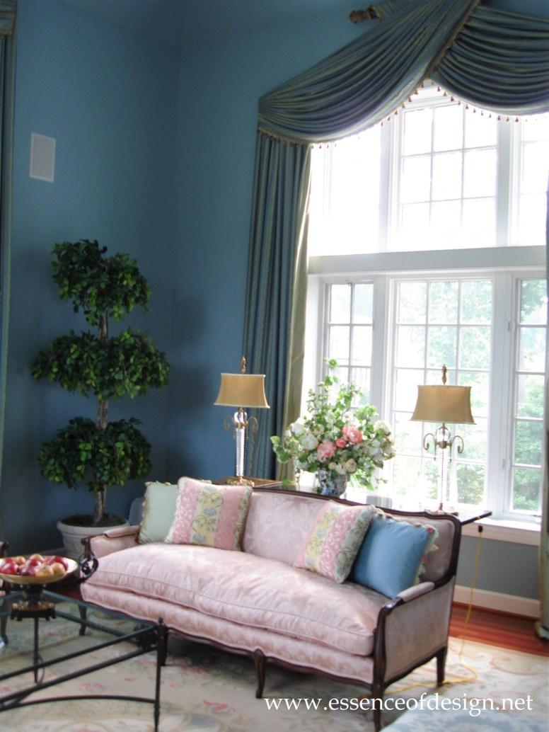 Potomac-Maryland-interior-designer-Shiva-Rostami-living-room-sunroom-McLean-VA