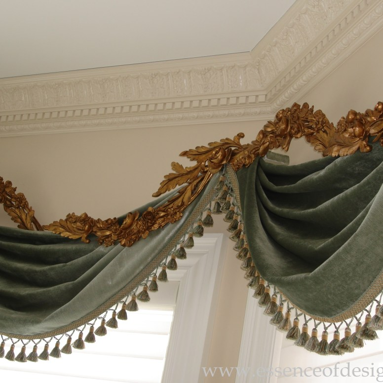 Potomac-Maryland-Interior-Designer-Shiva-Rostami-kitchen-New-York-formal-elegant-window-treatment-goldleaf-carvings-velvet-fabric