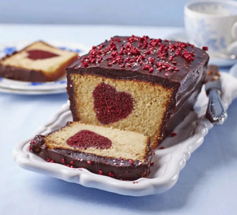 Resultado de imagen para hidden heart cake