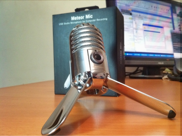 Samson Metor Mic Legs Review : Samson Meteor Mic   USB Microphone with Great Retro styling