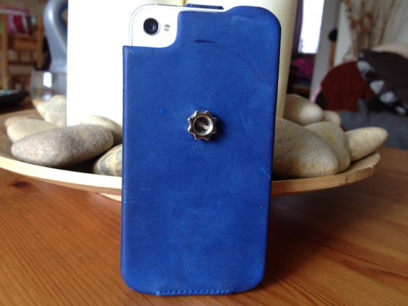 20120828 141114 Review : Noreve Exceptional Selection Leather iPhone Case