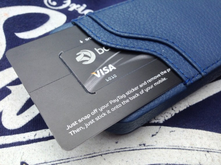 Noreve Indigo NFC iPhone 5 Noreve Exceptional Selection Indigo iPhone 5 Case