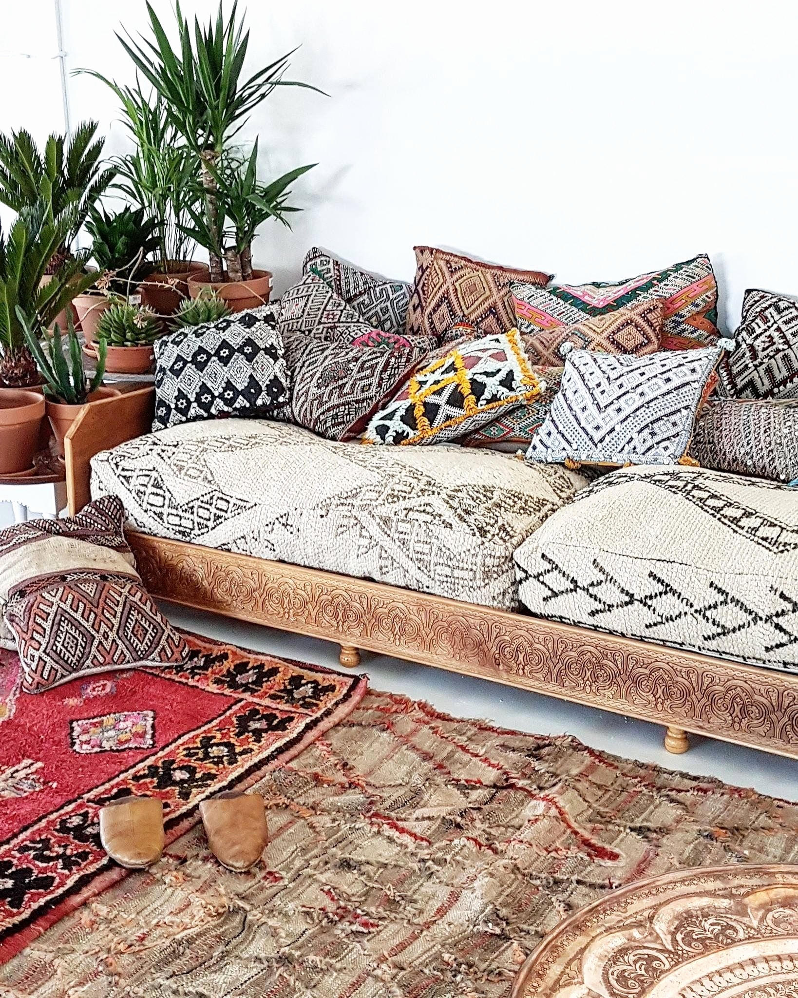 moroccan sofa base leather repair scottsdale home decor ideas you 39ll want to get for your city